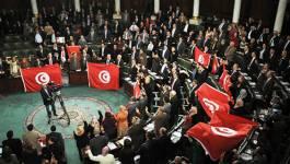 Le Parlement tunisien retire sa confiance au gouvernement d'Essid
