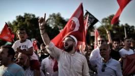 La tentative de putsch militaire échouée en Turquie, Erdogan passe à l'offensive