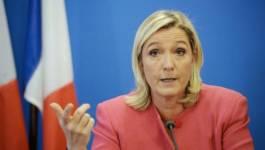 """La patronne du FN, Marine Le Pen, se dit """"candidate du peuple"""""""