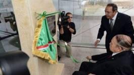 Bouteflika inaugure un Opéra à 30 millions d'euros construit par des Chinois