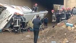 5 morts et 30 blessés dans le renversement d'un car de voyageurs à Medéa