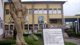 Le café littéraire et philosophique de Tizi-Ouzou et Larbaa Nath Irathen interdit !