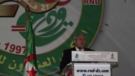 """Ahmed Ouyahia : """"Sous la direction éclairée du président Bouteflika..."""""""