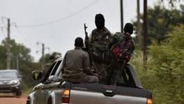 """Des """"démobilisés"""" bloquent Bouaké et Korhogo en Côte d'Ivoire"""