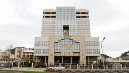 Bouteflika opère un remaniement dans le corps des magistrats
