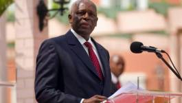 """Les Angolais vont """"élire sans suspense"""" le successeur du potentat Dos Santos"""