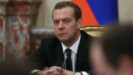 Le Premier ministre russe Dmitri Medvedev à Alger le 10 octobre