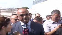 Bedoui menace les policiers qui se montrent solidaires des opposants! (Vidéo)
