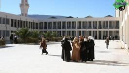 """Port obligatoire de """"vêtements islamiques"""" à la résidence universitaire des filles à Batna!"""