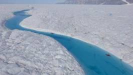 Spectaculaire fonte de la calotte glaciaire du Groenland