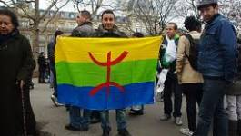 A Paris, octobristes et Imazighen manifestent