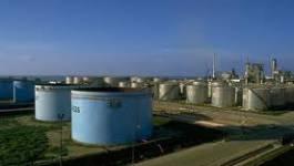 Paradoxes de  l'Algérie : riche en hydrocarbures mais importatrice de l'essence super sans plomb