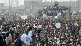 Nigeria : le président annonce une baisse du prix de l'essence
