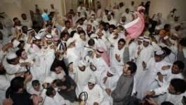 Koweït : des milliers de manifestants envahissent le Parlement