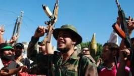 Les combats se poursuivent autour du QG de Kadhafi