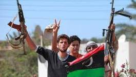Tripoli revient à la vie, les rebelles visent Syrte