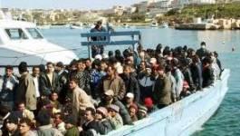 Des centaines de migrants de la Libye et la Tunisie arrivent en Italie