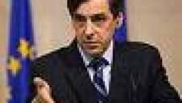 François Fillon entame à Alger une visite énigmatique
