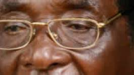Au Zimbabwe, Mugabe s'accroche au pouvoir