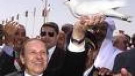 Bouteflika rend visite aux Algérois