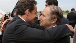 La réponse de Sarkozy à Bouteflika : il reçoit les harkis et les pieds-noirs à son retour d'Alger