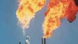 Réactions après que le prix du pétrole ait touché le seuil des 100 dollars pour la première fois de son histoire