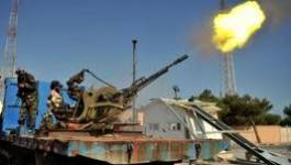 Libye : aux portes de Syrte, les rebelles tentent de négocier avant l'assaut