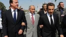 Sarkozy et Cameron accueillis en héros, les forces du CNT à Syrte