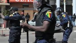 Sénégal : les opposants à Wade se heurtent aux policiers