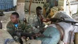 Des troupes kenyanes entrent en Somalie pour combattre les islamistes shebab