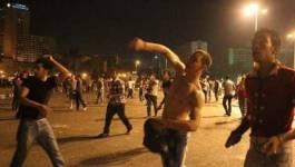 Egypte : des affrontements très violents entre policiers et manifestants place Tahrir