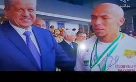 """""""Touche pas à mon président"""" !... sur les maillots des joueurs du NAHD"""