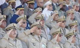 La mafia ou le peuple au pouvoir : l'armée doit trancher !