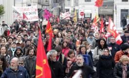 Le ministre de l'Intérieur, Bernard Cazeneuve, ne veut pas de défilé à Paris