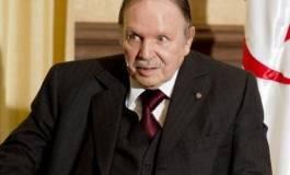 Abdelaziz Bouteflika étrille Chadli et s'attribue le beau rôle !