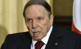 Bouteflika s'adresse à la presse et lui donne ses leçons