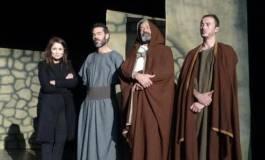 """""""Ahitus"""" et """"Halazoum"""" au festival du théâtre d'expression amazigh de Batna"""