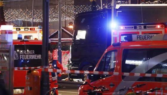 """12 morts et 48 blessés dans une """"attaque terroriste"""" en Allemagne"""