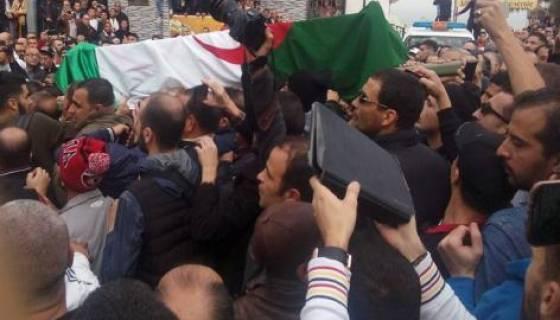 Amar Ezzahi inhumé en présence de ses fans au cimetière d'El Kettar à Alger