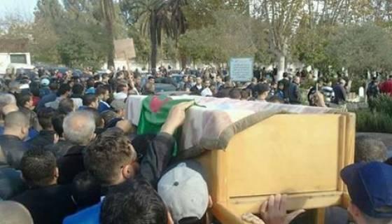 Une foule nombreuse à l'enterrement de Mohamed Tamalt