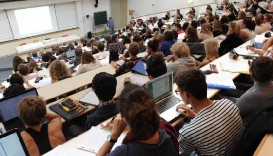 La crise du pétrole accouchera-t-elle d'une autre école algérienne ?