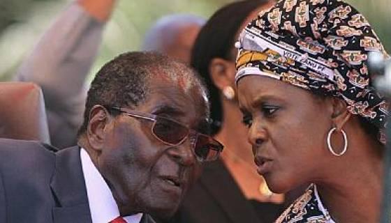 """L'épouse de Robert Mugabe : """"Votez pour mon mari même mort"""" !"""