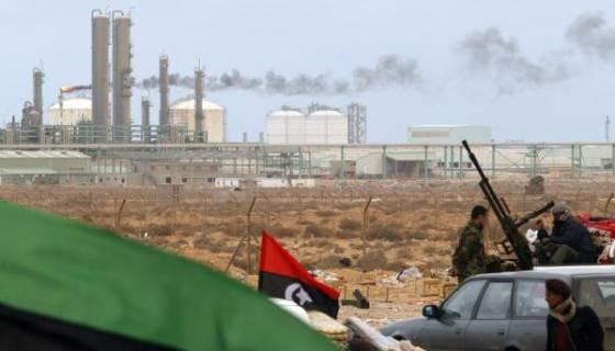 Baisse légère du cours du pétrole, perturbé par l'instabilité en Libye