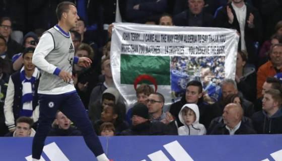 Il était venu remercier John Terry : un fan algérien fait la une de la presse anglaise ! (Images)