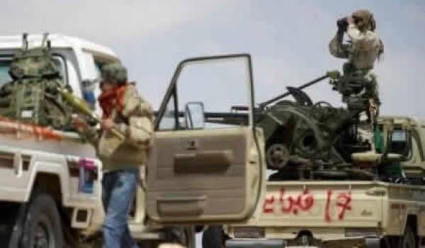 Libye: les combats font rage à Brega, un proche de Kadhafi démissionne
