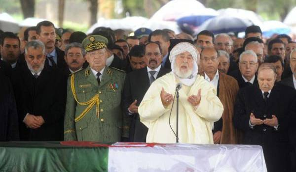 L'enterrement de l'ancien président Ahmed Ben Bella. Benkirane près d'Abdelaziz