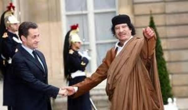 Sarkozy a déployé le tapis rouge à l'ancien dictateur libyen.
