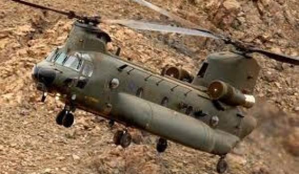 L'hélicoptère de transport de troupes Chinook, fabriqué par Boeing est utilisé par les Américains notamment en Afghanistan.
