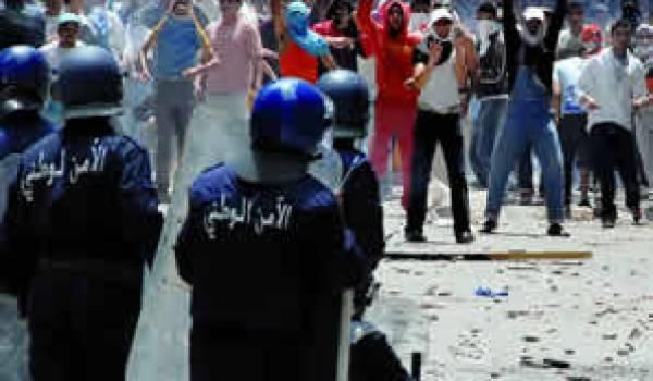 Urgent: des coups de feu à Alger, l'embrasement à Oran. Les premières vidéos.