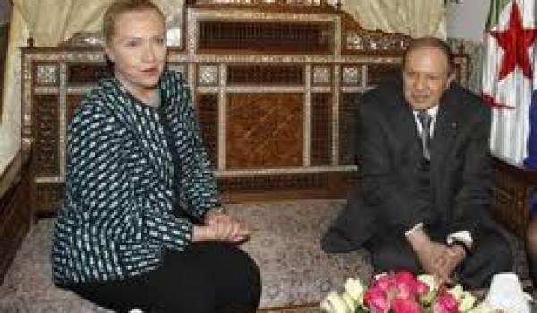 Hillary Clinton et le président Bouteflika à Alger.